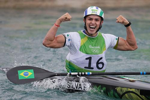 Pepê comemora descida impecável na final do K1 slalom / Foto: Jamie Squire / Getty Images